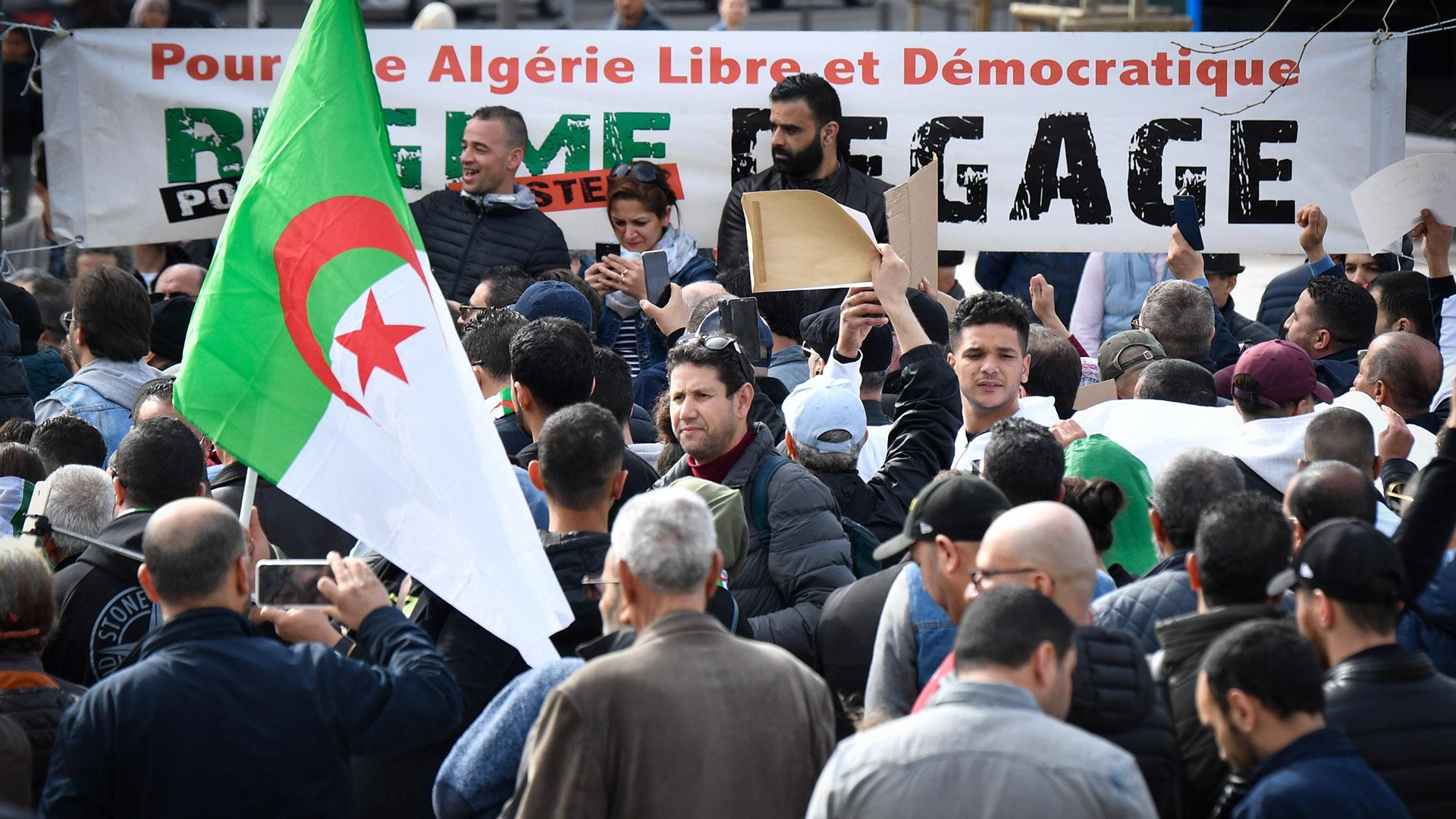 الجزائر .. حراك مستمر