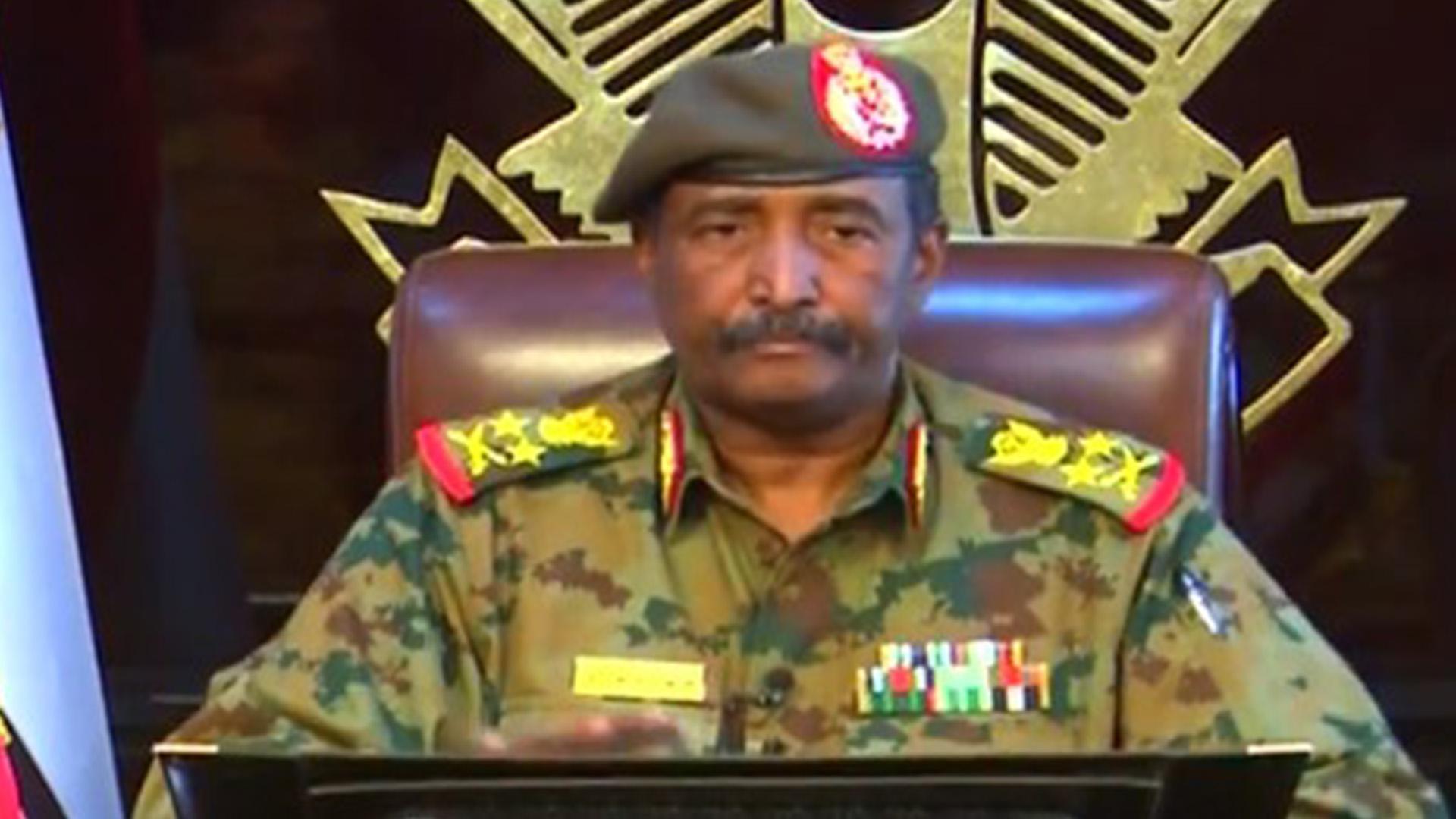 السودان .. بين الحكم العسكري والمدني