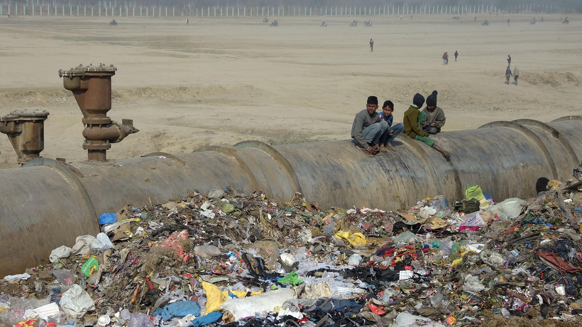 منظومة إلكترونية لرصد وإزالة القمامة