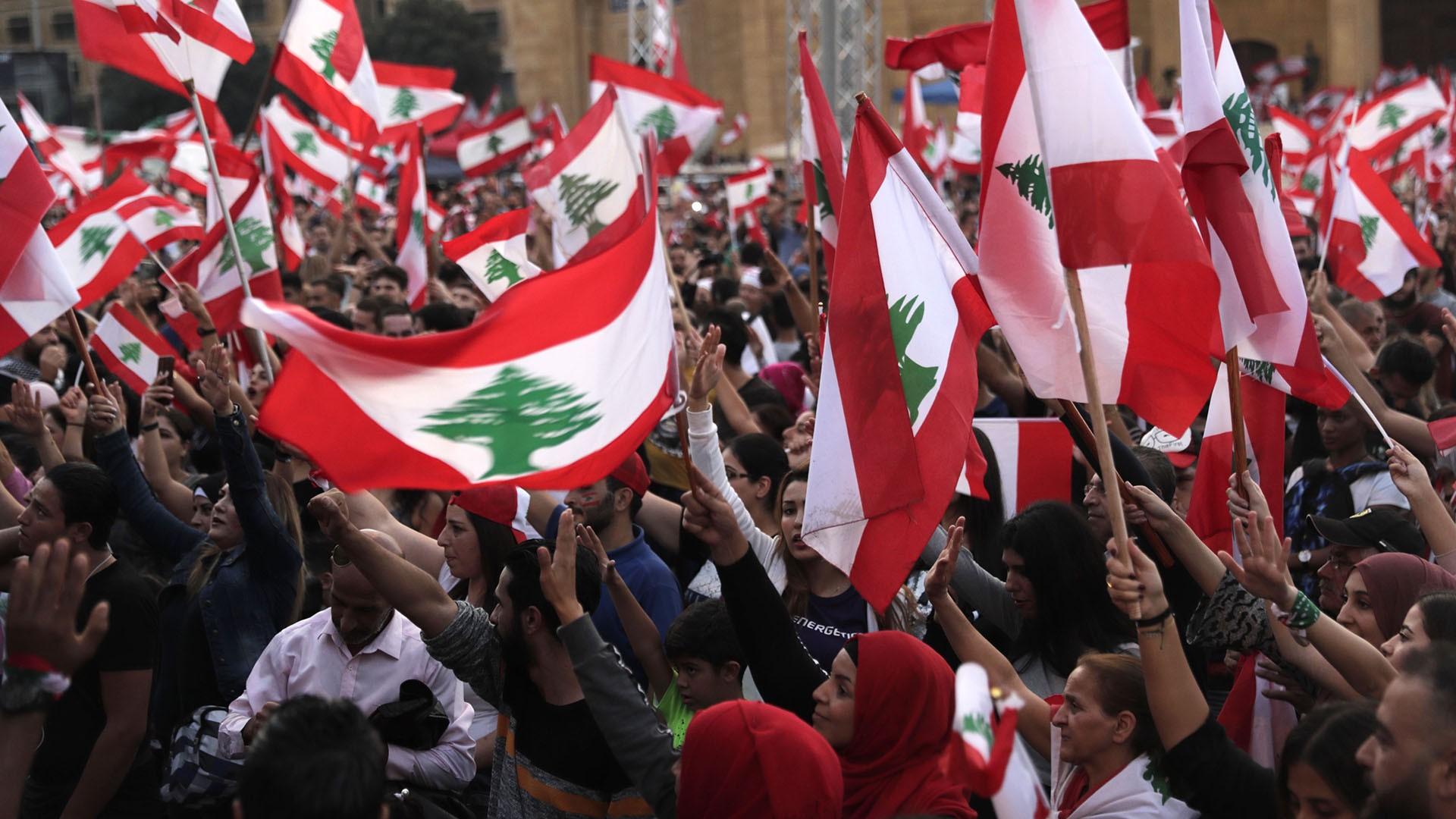 لبنان .. شهر على الحراك