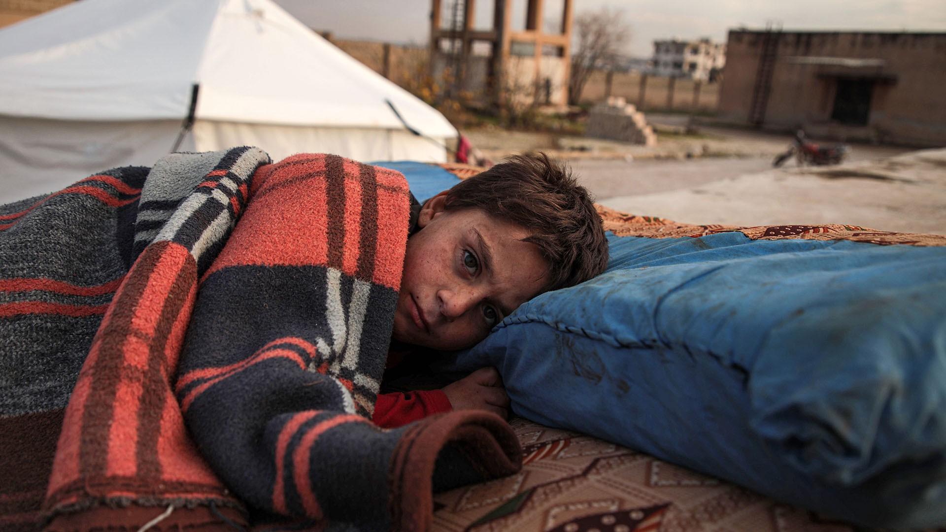 معاناة النازحين في مخيمات الشمال السوري