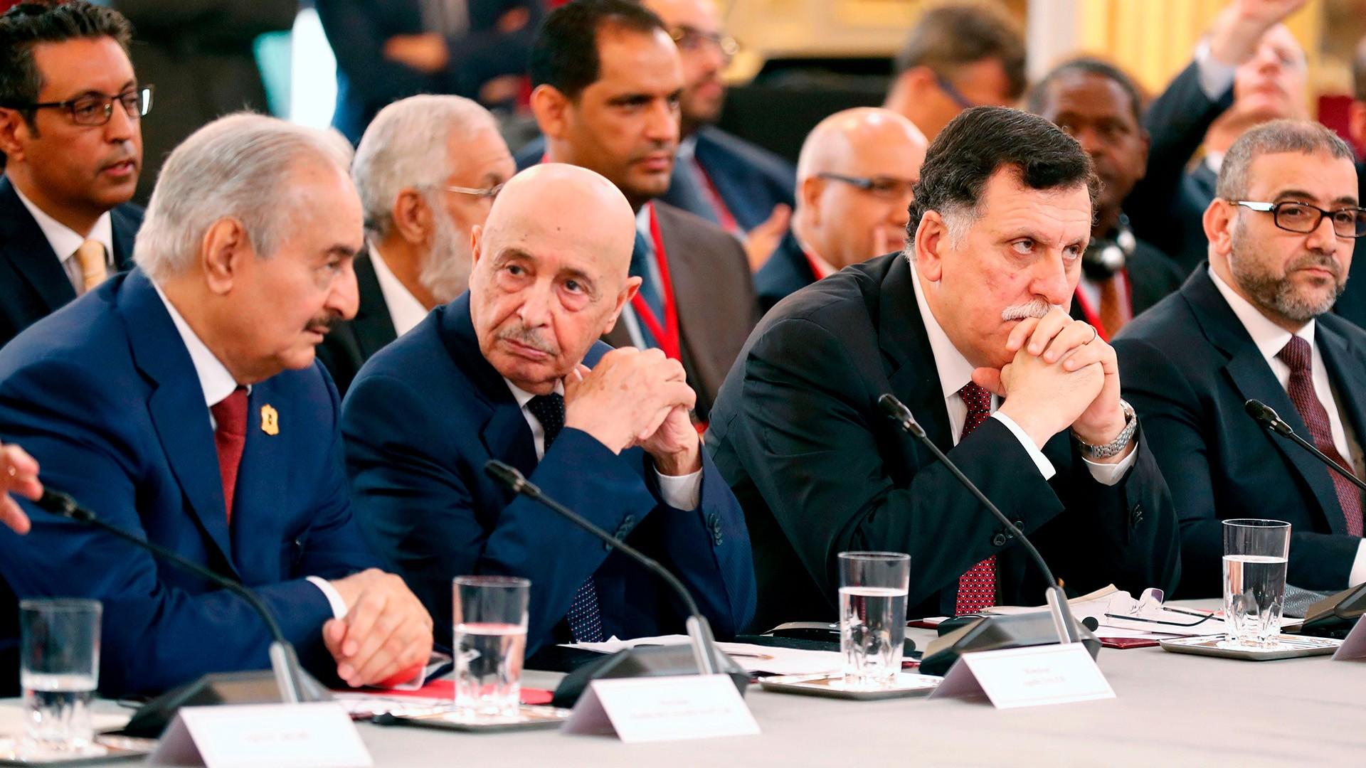كيف يمكن للقوى السياسية الليبية توحيد صفوفها؟